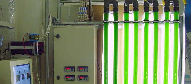 Image of computer controled photobioreactors